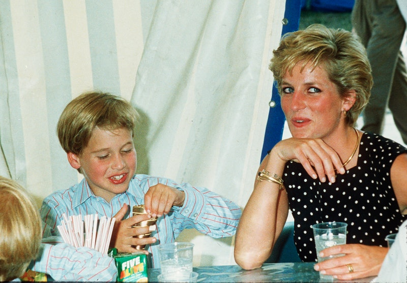 WINDSOR - JUNE 01:   Diana, Princess of Wales and Prince William enjoy some refreshments at Windsor ...