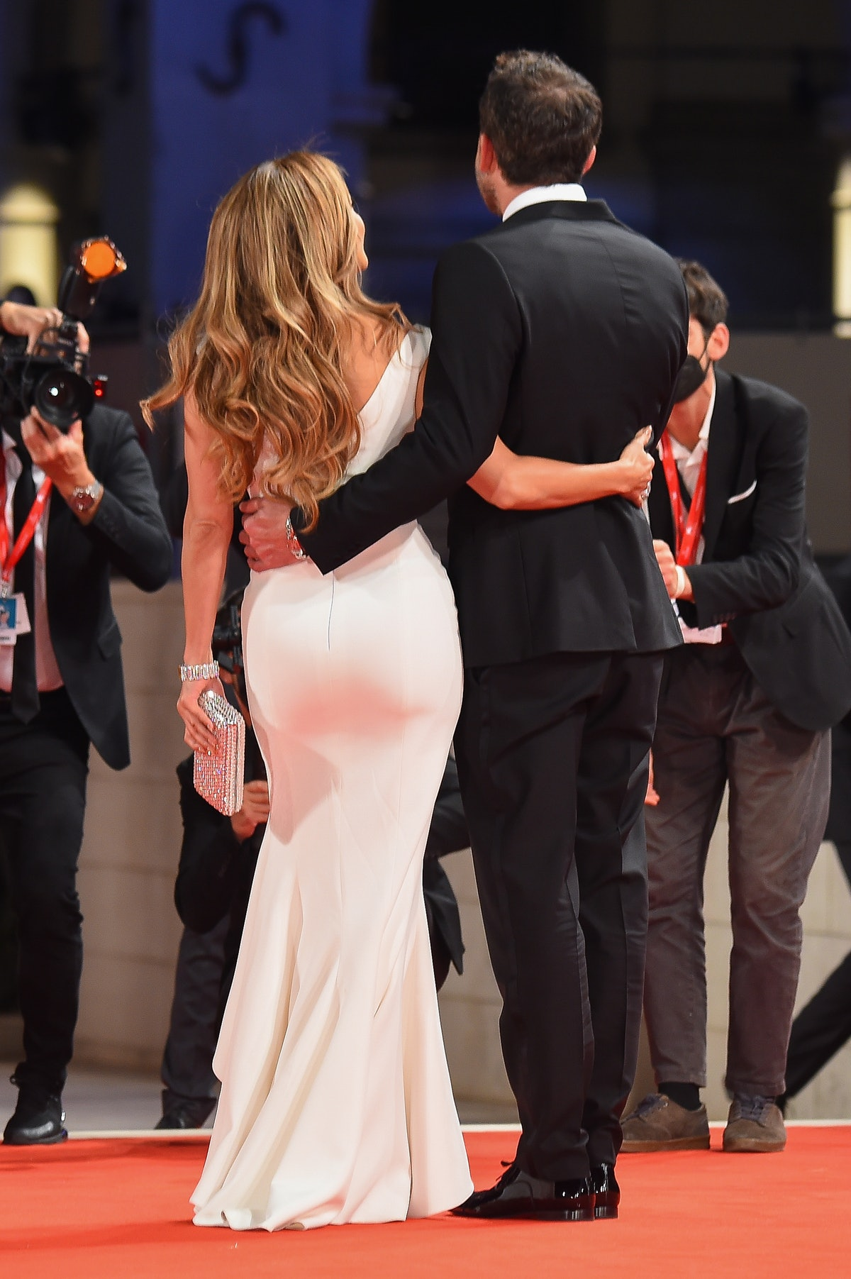 These photos of Jennifer Lopez and Ben Affleck at the 2021 premiere of 'The Last Duel' are so cute.