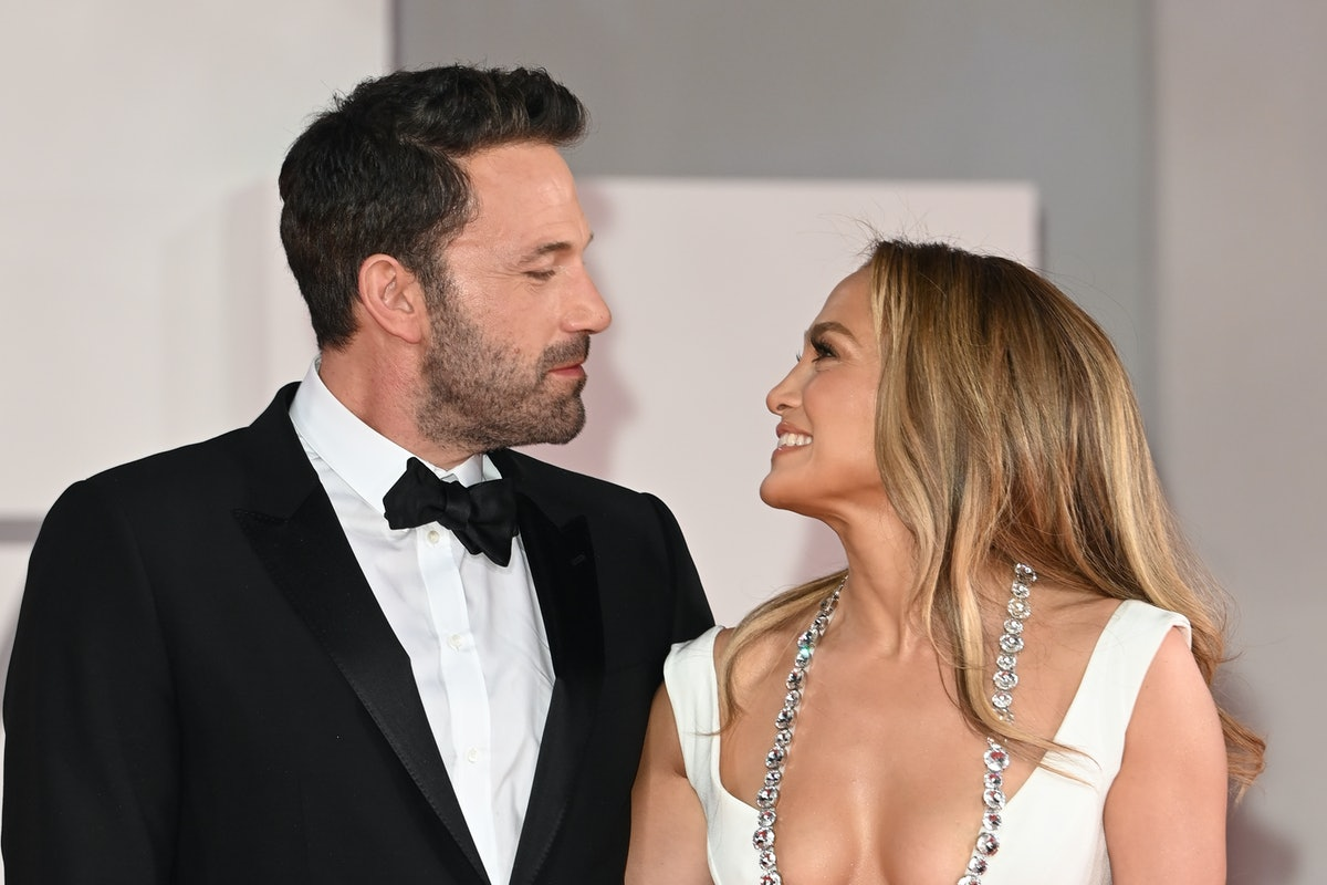 See these photos of Jennifer Lopez and Ben Affleck at their red carpet debut.