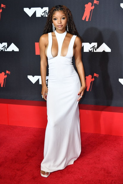 R&B duo member Halle Bailey arrives for the 2021 MTV Video Music Awards at Barclays Center in Brookl...