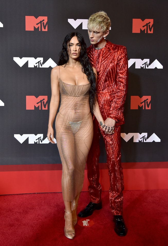 NEW YORK, NEW YORK - SEPTEMBER 12: Megan Fox and Machine Gun Kelly attend the 2021 MTV Video Music A...