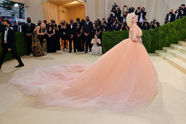 NEW YORK, NEW YORK - SEPTEMBER 13: Co-chair Billie Eilish attends The 2021 Met Gala Celebrating In A...