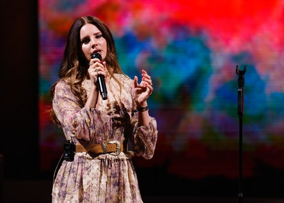 VANCOUVER, BRITISH COLUMBIA - SEPTEMBER 30: Singer-songwriter Lana Del Rey performs on stage at Roge...