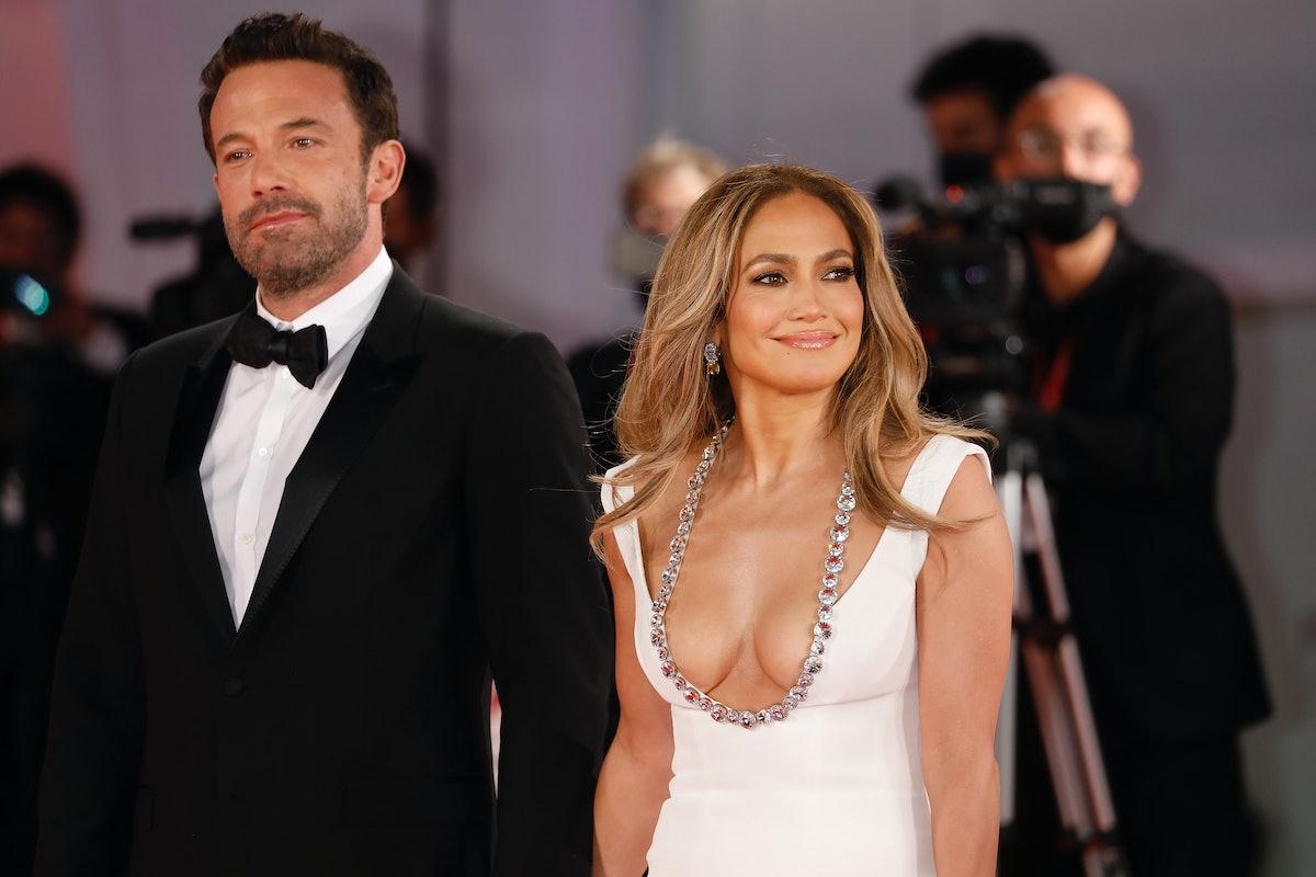 Ben Affleck and Jennifer Lopez's body language at the Venice Film Festival sent mixed messages.