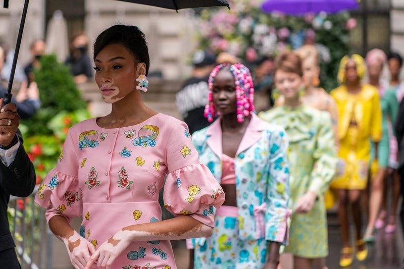 New York Fashion Week 2021 shows are here, and designers are showing outdoors or in iconic views. Ah...