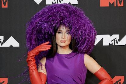 NEW YORK, NEW YORK - SEPTEMBER 12: Kacey Musgraves attends the 2021 MTV Video Music Awards at Barcla...
