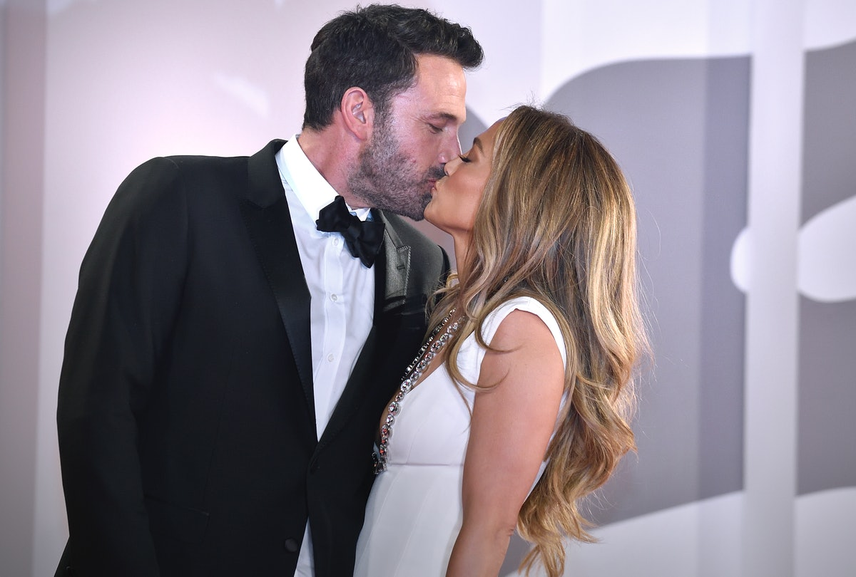 Ben Affleck and Jennifer Lopez's body language at the Venice Film Festival showed some residual awkw...