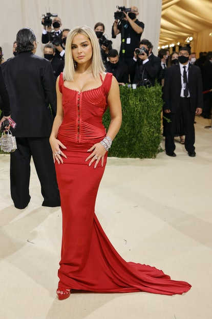 NEW YORK, NEW YORK - SEPTEMBER 13: Addison Rae attends The 2021 Met Gala Celebrating In America: A L...