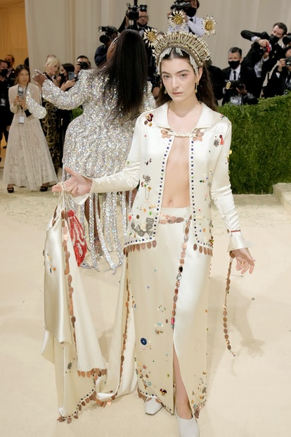 NEW YORK, NEW YORK - SEPTEMBER 13: Lorde attends The 2021 Met Gala Celebrating In America: A Lexicon...