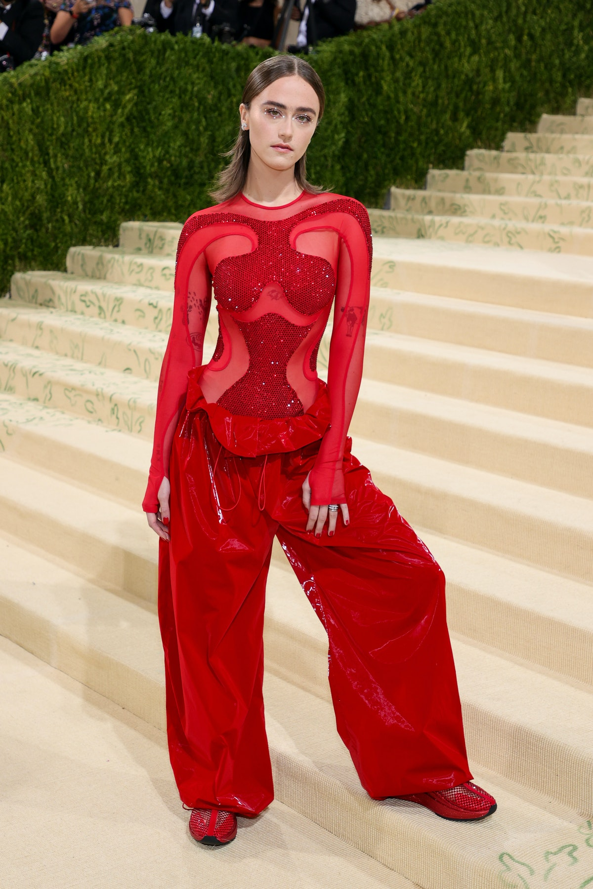 NEW YORK, NEW YORK - SEPTEMBER 13:  Ella Emhoff attends The 2021 Met Gala Celebrating In America: A ...