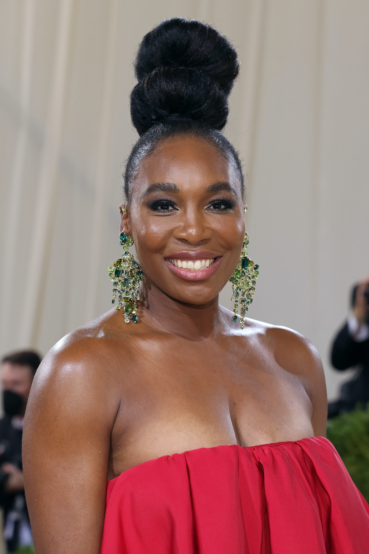 """NEW YORK, NEW YORK - SEPTEMBER 13: Venus Williams attends the 2021 Met Gala benefit """"In America: A L..."""