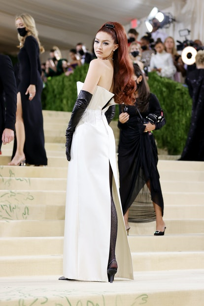 NEW YORK, NEW YORK - SEPTEMBER 13: Gigi Hadid attends The 2021 Met Gala Celebrating In America: A Le...