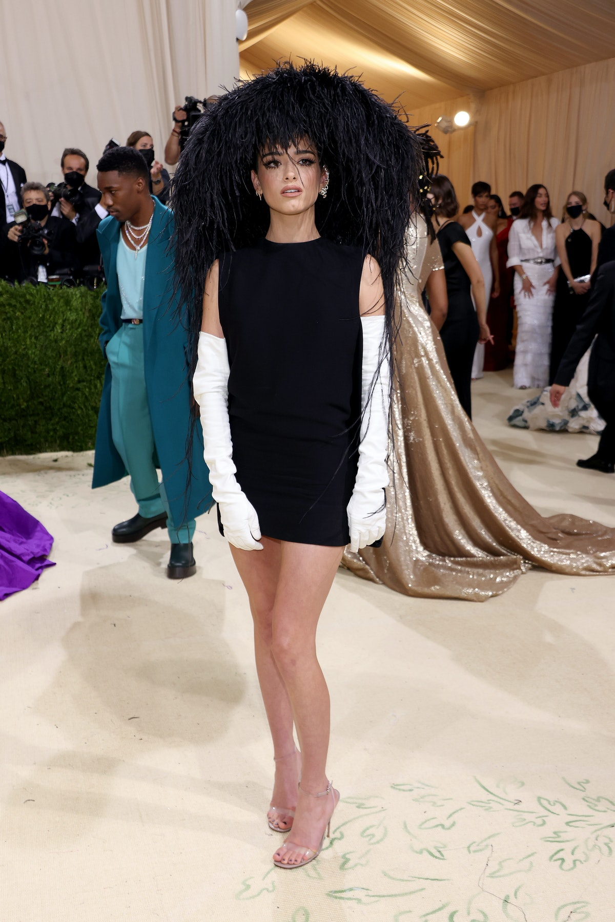 Dixie D'Amelio in her full glam look and Valentino outfit for the 2021 Met Gala.
