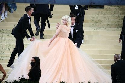 NEW YORK, NEW YORK - SEPTEMBER 13: Billie Eilish arrives for The 2021 Met Gala Celebrating In Americ...