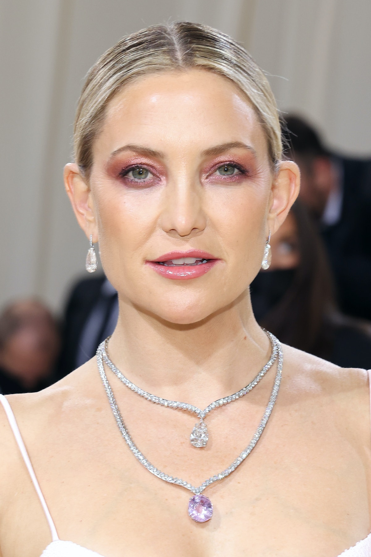 """NEW YORK, NEW YORK - SEPTEMBER 13: Kate Hudson attends the 2021 Met Gala benefit """"In America: A Lexi..."""