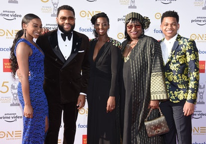 US actor Anthony Anderson, his wife  Alvina Stewart (3rdL), their children Kyra (L) and Nathan (R) a...