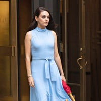 """NEW YORK CITY, NY - AUGUST 29: Mila Kunis is seen filming """"The Luckiest Girl Alive"""" on August 29, 20..."""