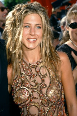 LOS ANGELES, CA - SEPTEMBER 12: American actress Jennifer Aniston arrives at the 51st 1999 Primetime...