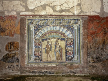 Italy. Herculaneum. Ancient Roman city destroyed by the eruption of the Vesuvius in 79 AD. Atrium of...
