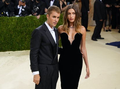 Justin Bieber and Hailey Bieber ran into Shawn Mendes and Camila Cabello at the 2021 Met Gala.