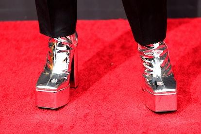 LOS ANGELES, CALIFORNIA - SEPTEMBER 19: Bowen Yang, shoe detail, attends the 73rd Primetime Emmy Awa...