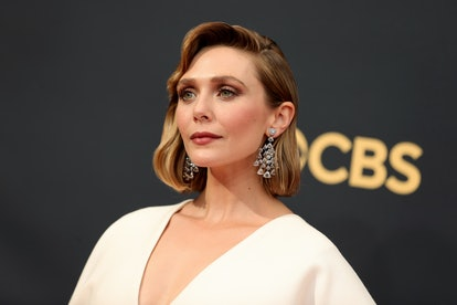 LOS ANGELES, CALIFORNIA - SEPTEMBER 19: Elizabeth Olsen attends the 73rd Primetime Emmy Awards at L....
