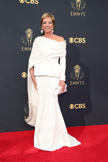 LOS ANGELES, CALIFORNIA - SEPTEMBER 19: Allison Janney attends the 73rd Primetime Emmy Awards at L.A...