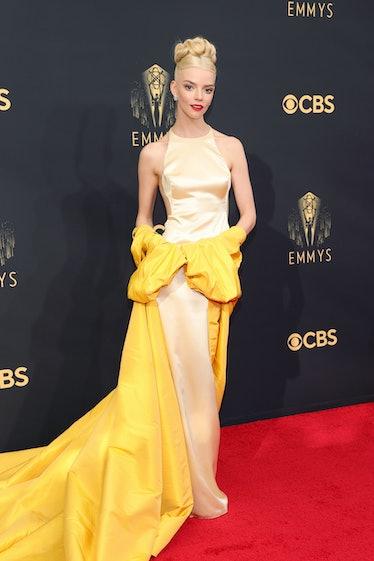 LOS ANGELES, CALIFORNIA - SEPTEMBER 19: Anya Taylor-Joy attends the 73rd Primetime Emmy Awards at L....