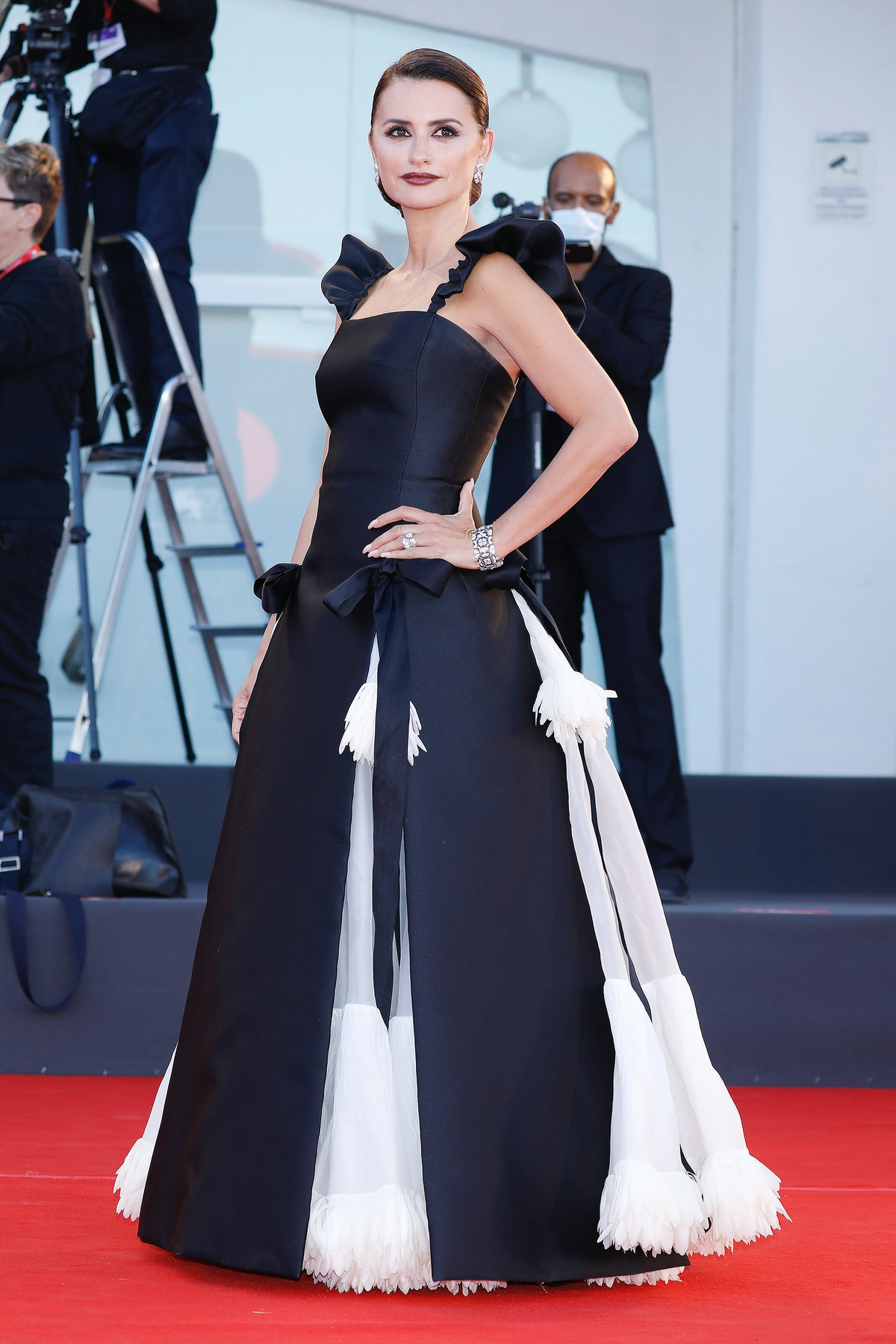 VENICE, ITALY - SEPTEMBER 01, 2021: Penelope Cruz arrives at the red carpet of 'Madres Parallels' an...