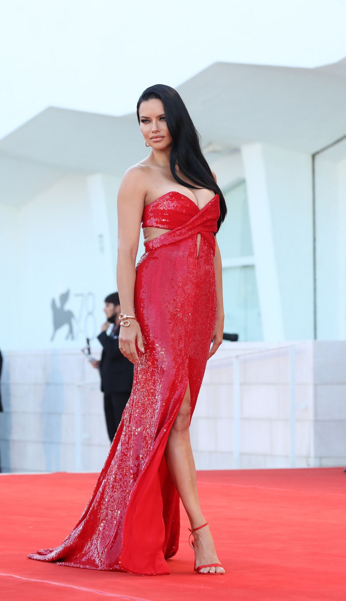 """VENICE, ITALY - SEPTEMBER 01: Adriana Lima attends the red carpet of the movie """"Madres Paralelas"""" du..."""