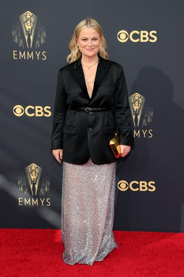LOS ANGELES, CALIFORNIA - SEPTEMBER 19: Amy Poehler attends the 73rd Primetime Emmy Awards at L.A. L...