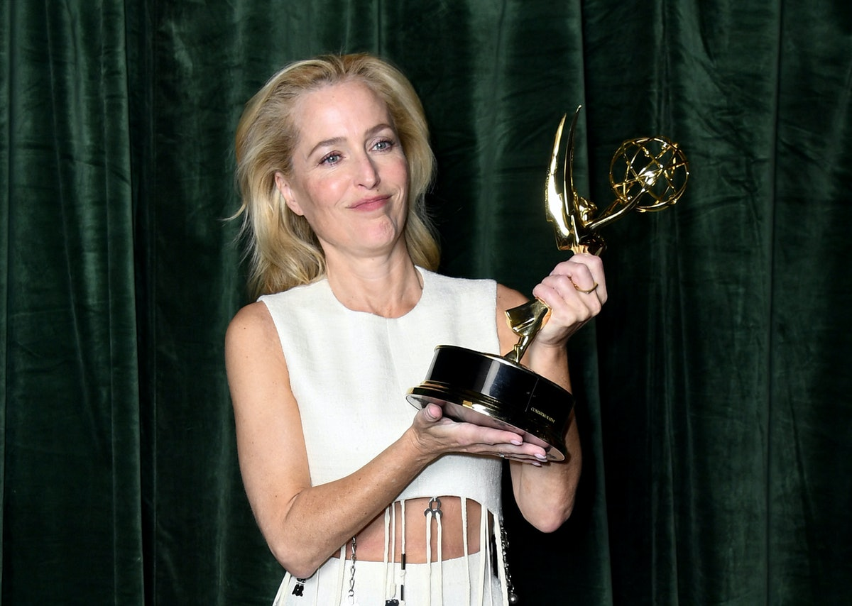 LONDON, ENGLAND - SEPTEMBER 19:  Gillian Anderson with her Emmy award for 'Outstanding Supporting Ac...