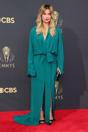 LOS ANGELES, CALIFORNIA - SEPTEMBER 19: Annie Murphy attends the 73rd Primetime Emmy Awards at L.A. ...