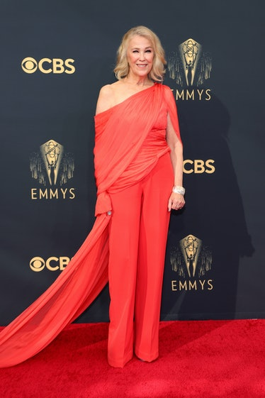 LOS ANGELES, CALIFORNIA - SEPTEMBER 19: Catherine O'Hara attends the 73rd Primetime Emmy Awards at L...