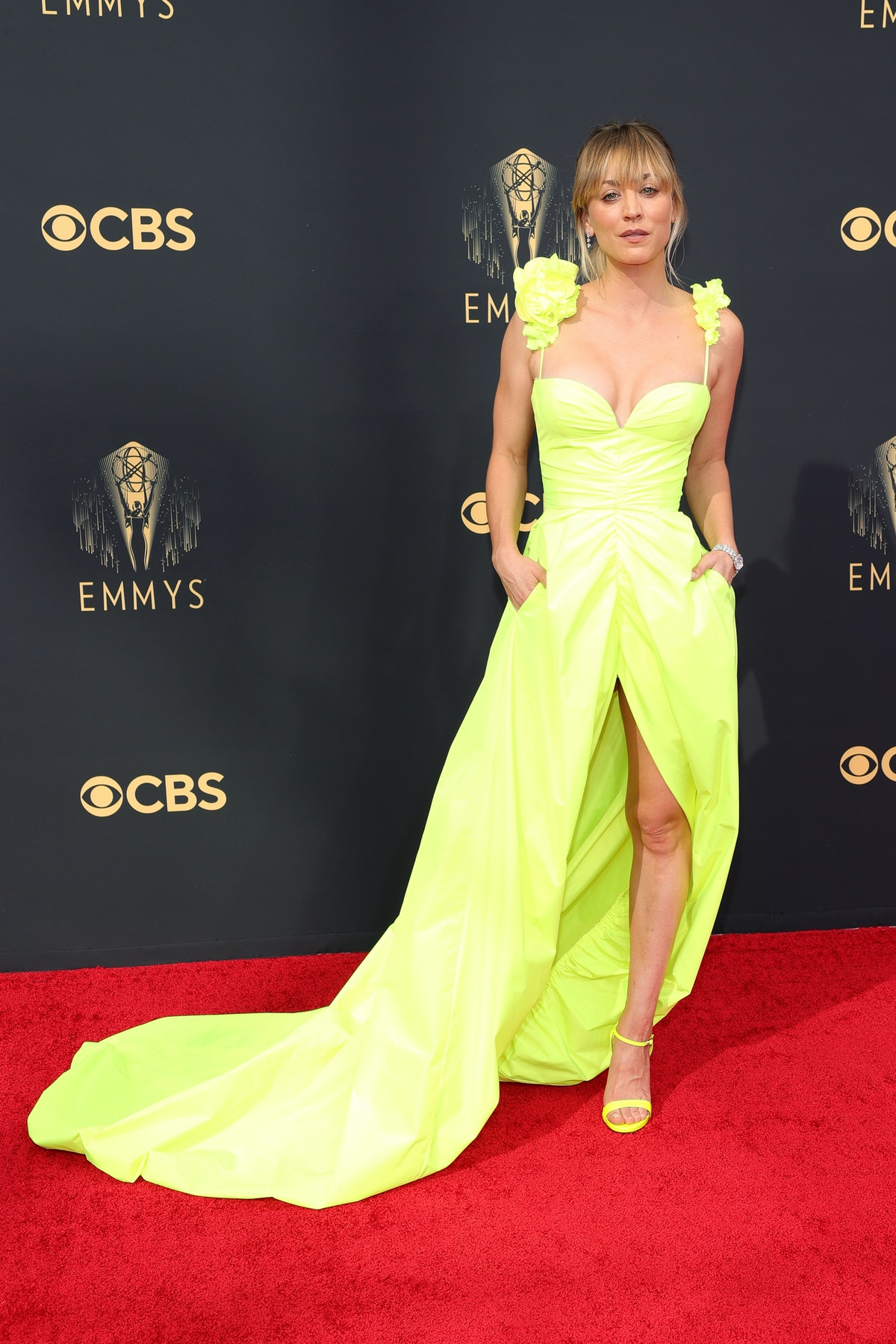 Kaley Cuoco attends the 73rd Primetime Emmy Awards
