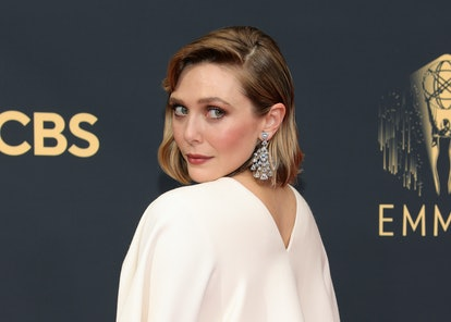 Elizabeth Olsen's jewelry details at the 73rd Primetime Emmy Awards were stunners