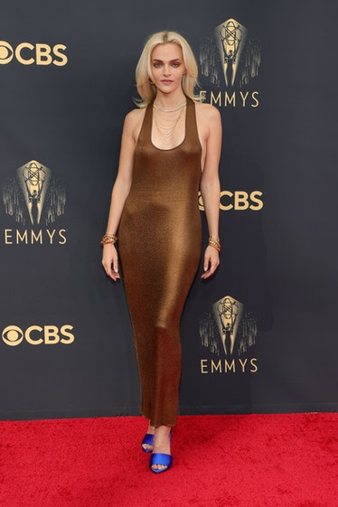 LOS ANGELES, CALIFORNIA - SEPTEMBER 19: Madeline Brewer attends the 73rd Primetime Emmy Awards at L....