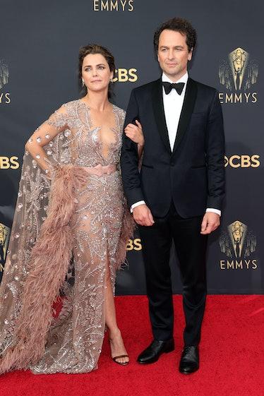 LOS ANGELES, CALIFORNIA - SEPTEMBER 19: (L-R) Keri Russell and Matthew Rhys attend the 73rd Primetim...