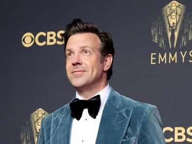 LOS ANGELES, CALIFORNIA - SEPTEMBER 19: Jason Sudeikis, winner of Outstanding Lead Actor in a Comedy...