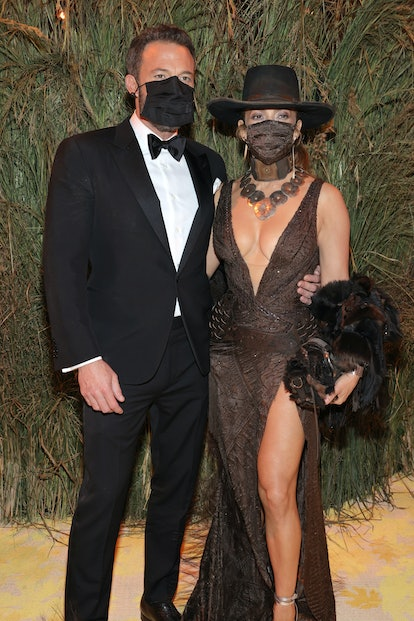 Jennifer Lopez and Ben Affleck plan to spend the holidays together after a busy year of movie premie...