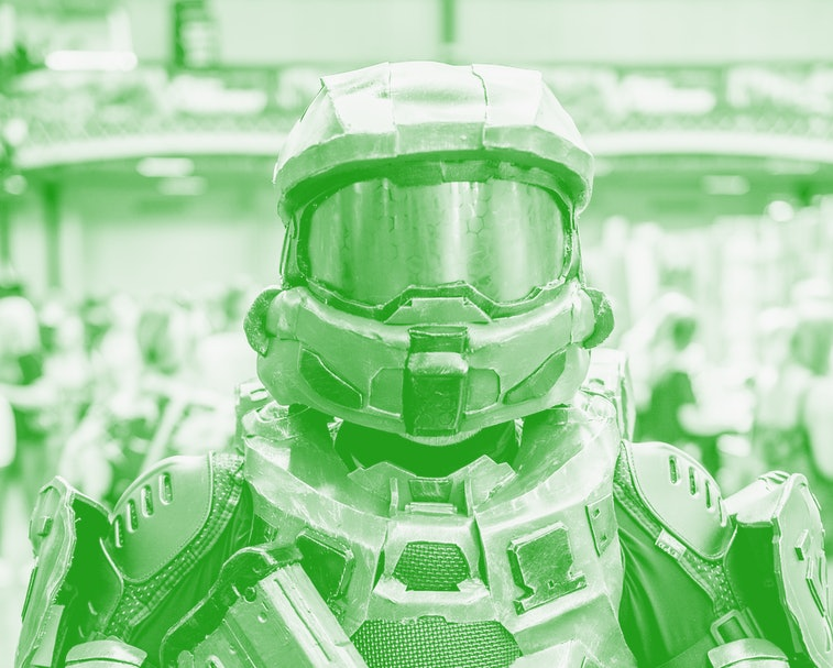 LONDON, ENGLAND - JULY 28: A cosplayer in character as Master Chief Petty Officer John-117 from Halo...