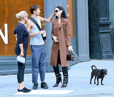 NEW YORK, NY - SEPTEMBER 21:  Yolanda Hadid, Anwar Hadid and Dua Lipa are seen walking in soho on Se...