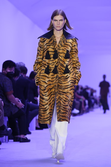 MILAN, ITALY - SEPTEMBER 22: A model walks the runway at the Jil Sander fashion show during the Mila...