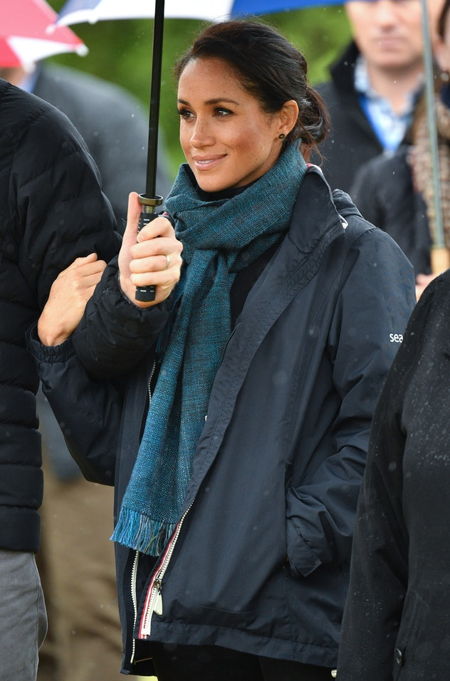 Meghan Markle knows how to dress for the weather.