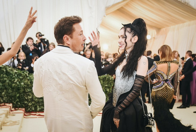 NEW YORK, NY - MAY 07:  Elon Musk and Grimes attend the Heavenly Bodies: Fashion & The Catholic Imag...