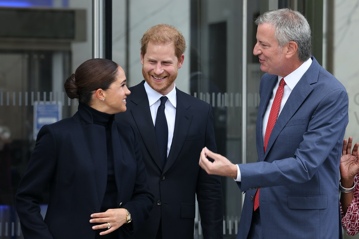 NEW YORK, NEW YORK - SEPTEMBER 23: Meghan, Duchess of Sussex, Prince Harry, Duke of Sussex, and Bill...