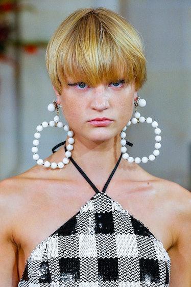 NEW YORK, NEW YORK - SEPTEMBER 09: A model walks the runway during the Carolina Herrera Ready to Wea...