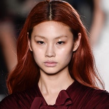 One of 'Squid Game' actor Jung Ho-yeon's best beauty looks: The glossy eyelids at Giambattista Valli...