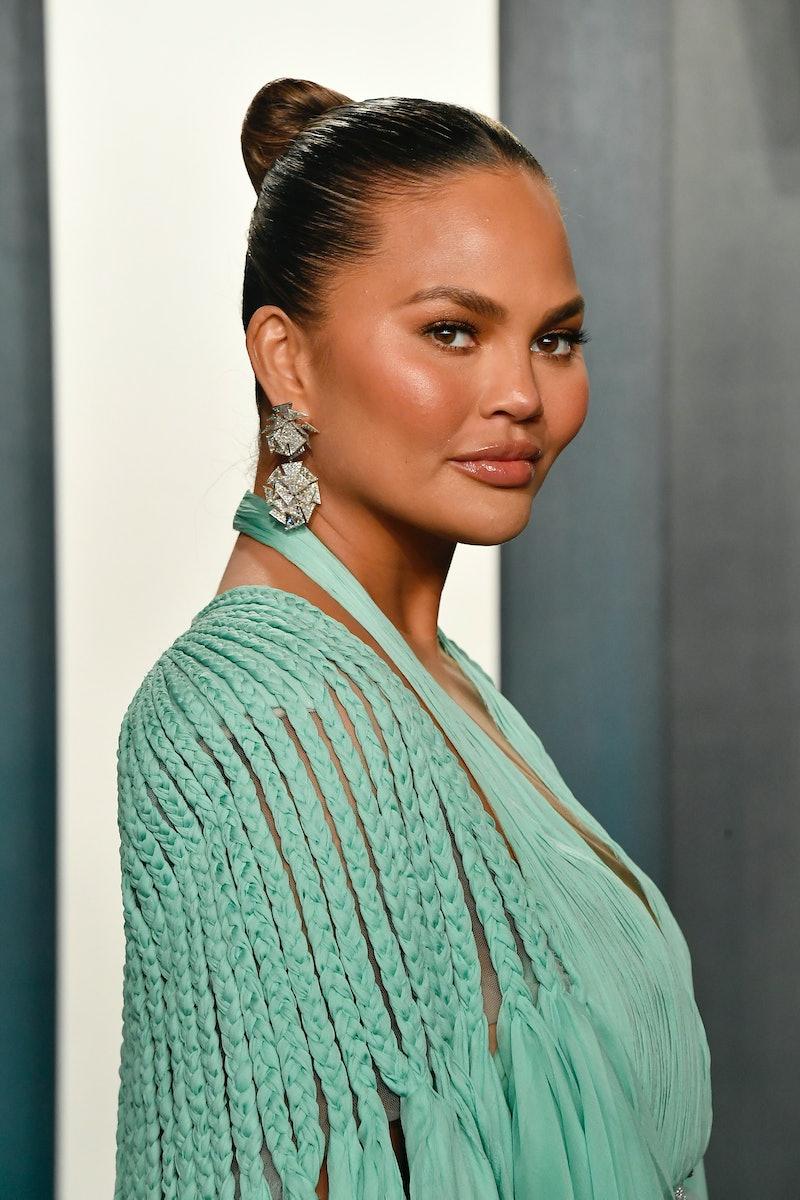 BEVERLY HILLS, CALIFORNIA - FEBRUARY 09:  Chrissy Teigen attends the 2020 Vanity Fair Oscar Party ho...