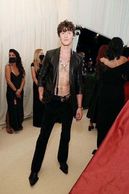 NEW YORK, NEW YORK - SEPTEMBER 13: Shawn Mendes attends The 2021 Met Gala Celebrating In America: A ...